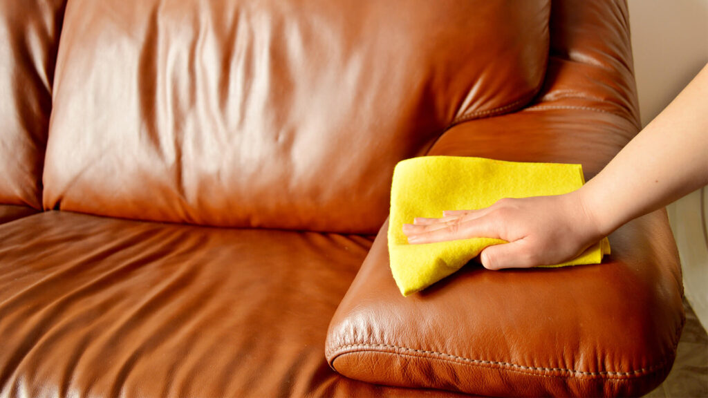 химчистка кожаной мебели на дому